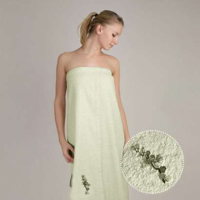 Полотенце для сауны женское сарафан Zastelli махра с вышивкой Сакура Зеленое фото 2